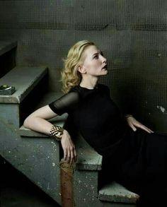 ru_glamour: Cate Blanchett, фотограф Annie Leibovitz для Vogue US Cate Blanchett, Annie Leibovitz Photos, Annie Leibovitz Photography, Vanity Fair, Vogue Magazin, Martin Parr, Vogue Us, Vogue Photo, Celebrity Portraits