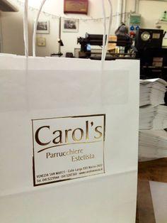 PAPER BAG - Borse di carta con stampa a caoldo dorata! #oro #borsa #graphic #design