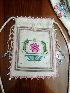 Kese Lavender Bags, Wool Embroidery, Pot Holders, Cross Stitch, Miniatures, Traditional, Fabric, Tejido, Punto De Cruz