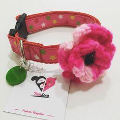 Collar con flor en crochet