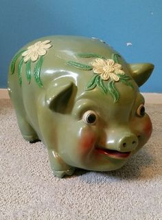 "HUGE LARGE VINTAGE CHALKWARE PIGGY BANK  21"" LONG #CHALKWARE Money Tin, Money Jars, Modern Piggy Banks, Plastic Piggy Banks, Large Piggy Bank, Pig Bank, Big Coins, Personalized Piggy Bank, Pottery Handbuilding"