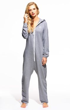 OnePiece 'Mono' Onesie brings you the look, comfort and snuggness of our original jumpsuits at a fantastic price.Made from lightweight premium cotton. This unisex adult onesie looks great on men and women and is perfect for chilling out in or for those wanting to make a statement.  100% Cotton 250gsm quality, lightweight Feautres a one-way zipper that goes up to the neck 2 open side pockets Embroidered 'X' logo on chest Printed 'X' logo on back