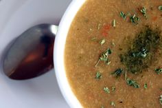 ¡Ideal para el almuerzo de hoy! Sopa de plátano: http://www.sal.pr/recetas/sopadeplatano.html