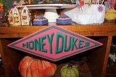 honey dukes sign