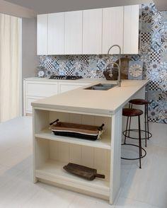 Piano #cucina realizzato in #lapitec Avorio finitura Vesuvio per @auroracucine. Lapitec è l'innovativa #pietrasinterizzata #madeinitaly