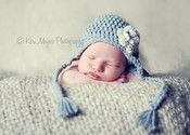 beanbag: newborn pose + hat w/ties