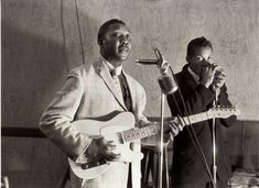 Muddy Waters on the Telecaster and his right hand man, Little Walter. Little Walter left Muddy Waters Band in 1952.