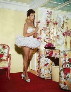 tabodesign:  Elizabeth Taylor as a ballerina,1951