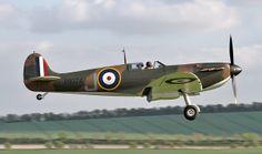 Spitfire Mk 1 P9374 Duxford April 9th 2014