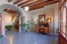 Échale un vistazo a este increíble alojamiento de Airbnb: Hotel de la Vila. Habitación/Luz - Bed & Breakfasts en alquiler