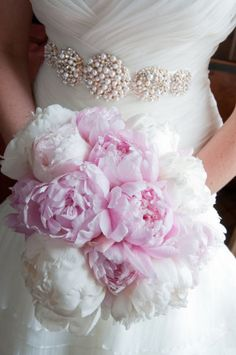 PEONIES - Chicago Wedding at InterContinental from Orange 2 Photography
