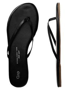 bec2384d735 Gap Leather Flip Flops - true black
