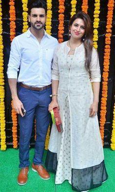 Love their outfits Salwar Designs, Kurti Designs Party Wear, Kurta Designs Women, Blouse Designs, Churidhar Designs, Indian Dresses, Indian Outfits, India Fashion, Indian Designer Wear