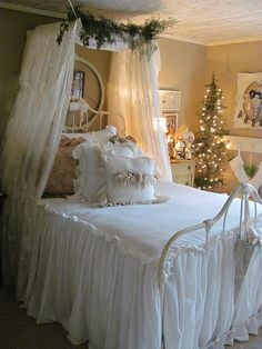 ".i would love to ""dream of a white christmas"" in this fabulous room!"