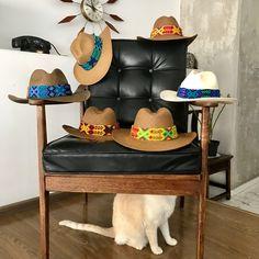 Amig@s! 😉👌🎩👒‼ ¡Ya tenemos NUEVOS #SOMBREROS en la Tienda en Línea! 👉👉 https://salvadornunezshop.com/collections/sombreros 👈 O 📲 Whatsapp CDMX 55 3464 0882 ¡Son piezas únicas hechas a mano por artesanos de Chiapas! ¡Corre por el tuyo!  ¡Hacemos ENVÍOS A TODO EL MUNDO!