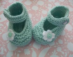 Green Baby Booties Green Baby Shoes Green by BabyHatsShoesandMore