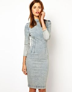 Denim jacket looks stunning and flattering with a white shirt, black skinnys and classical jewellery. Description from urglamour.com. I searched for this on bing.com/images