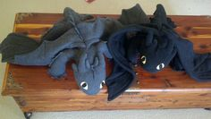 diy toothless plush + pattern AWWW Little Night Fury dragons!!!! (Seadragonus Giganticus Maximus,) yes.. my nerd is showing.. do not question me. :D