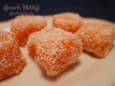 How to Make Carrot Delight Recipe? The tricks of the Carrot Delight With Picture from Kevserin Cuisi Lokum Recipe, Milk Recipes, Cooking Recipes, Turkish Sweets, Wie Macht Man, Turkish Delight, Fresh Fruits And Vegetables, Middle Eastern Recipes, Turkish Recipes