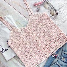 32 New ideas for crochet bikini baby chart Crochet Summer Tops, Crochet Halter Tops, Crochet Crop Top, Crochet Bikini, Gilet Crochet, Crochet Shirt, Diy Crochet, Crochet Designs, Crochet Patterns