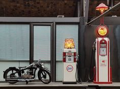 Zündapp K 200 (1933) and Historical Benzin-Gas Pump Wayne Model 60 by Esso (1935) Classic Remise Car Exhibition in Berlin  #berlin #travel #berlinbejby #germany #ClassicRemise #car #show #exhibition #zündapp #motorcycle #pump #oil #gas #esso #historical #interior #galaxys6
