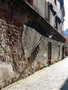 Stare Miasto, Lublin | Old Town, Lublin #oldtown #lublin #shadow #poland #polska #travel #seeuinpoland