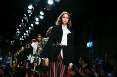 ロンドンコレ開催中新たなファッション革命SEE NOW BUY NOWをおさらい