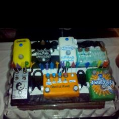 A guitar pedal effects cake!!!