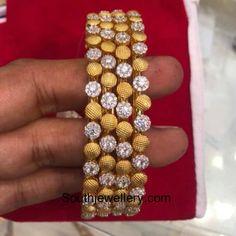 Bracelet Models - 22 carat gold bangle models - My Popular Photo Gold Jewelry For Sale, Real Gold Jewelry, Indian Jewelry, Armband Rosegold, Gold Armband, Antique Jewellery Designs, Gold Jewellery Design, Diamond Necklace Set, Diamond Bangle