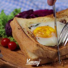Roti Panggang Telur | Yummy - Temukan resep-resep menarik lainnya hanya di:  Instagram: @Yummy.IDN  Facebook: Yummy Indonesia Asian Recipes, Mexican Food Recipes, Vegetarian Recipes, Cooking Bread, Cooking Recipes, Indonesian Cuisine, Tasty, Yummy Food, No Cook Meals