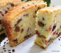 T is the festive season again and the all-time favourite for X'mas is undoubtedly the ubiquitous fruit cake. This Yoghurt Fruitcake cau. Delicious Cake Recipes, Yummy Cakes, Sweet Recipes, Fast Recipes, Xmas Food, Christmas Baking, Food Cakes, Cupcake Cakes, Fruit Cakes