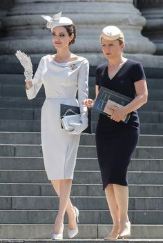 Angelina Jolie Stuns at Order of St. George Service in London: Photo Angelina Jolie is looking simply stunning while arriving for the Service of Commemoration and Dedication, marking the anniversary of the Most Distinguished… Angelina Jolie Dress, Angelina Jolie Photos, Angelina Jolie Skinny, Chic Outfits, Fashion Outfits, Womens Fashion, Style Fashion, Ralph & Russo, Mode Vintage
