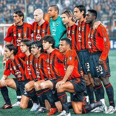 Milan Football, Sport Football, Football Fans, College Football, Football Stuff, Football Players, Milan Wallpaper, Hot Rugby Players, Steven Gerrard