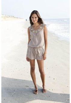 So cute for a beach outfit!