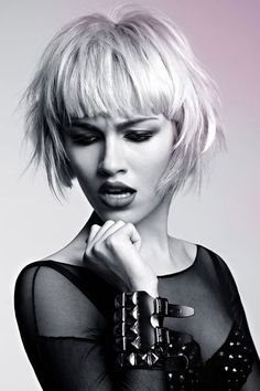 Thinking of getting your hair cut shorter than short? Then check out these edgy hairstyles for instant short hair inspiration. From wild girl bobs to pixie crops. Choppy Bob Hairstyles, Best Short Haircuts, Haircuts With Bangs, Cute Hairstyles, Straight Hairstyles, Blonde Hairstyles, Medium Hairstyles, Hairstyle Ideas, Short Hair Cuts