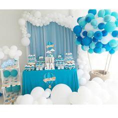 Buenos días☀ Nuestro querido #JoséAbel recibió la bendición del bautismo y así lo celebramos, con un tema muy original y diferente Tema: Hot Air Ballons