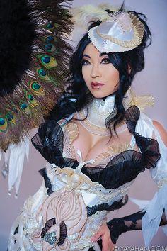 Like Yaya on Facebook Follow Yaya on Twitter Yaya Han's Store Character: Wizard - Granado Espada Costume made/modeled by: Yaya Han Photography: Pixelette Photography For more costume construction d...