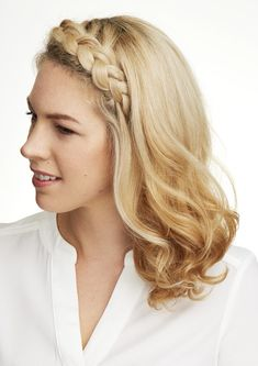 Disguise Greasy Roots With a 5-Minute Fringe Braid. Find the tutorial and more of my hair hacks here - http://goo.gl/GyKBkG
