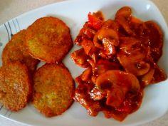 Kuřecí s bramboračkami  - Na rozehřátou pánev dáme maso nakrájené na nudličky. Přidáme nakrájenou papriku a pórek ,žampiony a cibuli na hrubo. ..