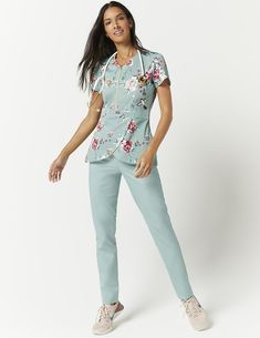 Tulip Top in Jade Bouquet - Medical Scrubs by Jaanuu Dental Scrubs, Medical Scrubs, Nursing Scrubs, Scrubs Outfit, Scrubs Uniform, Stylish Scrubs, Cute Scrubs, Medical Uniforms, Womens Scrubs