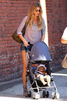 Style Throwback: Gisele Bundchen, Victoria Beckham, and More Chic New Mommies