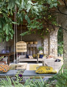 decordemon: LE 35 MAI : Charming guest house in southern Ardèche, France Decor, Solar Lights Garden, Diy Garden Decor, Outdoor Decor, Patio Decor, Furniture Color Schemes, Outdoor Design, Surf Decor, Patio Lighting