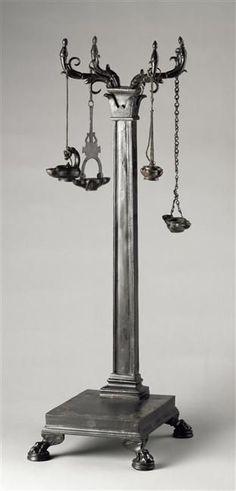 Candélabre porte-lampes Ier siècle après J.-C. (avant 79) Provenance : Herculanum    Site officiel du musée du Louvre