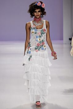 Betsey Johnson Spring 2015 Ready-to-Wear - Collection - Gallery - Look 1 - Style.com