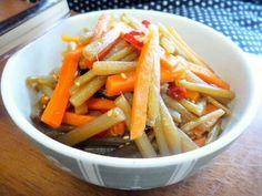 ☆フキとにんじんのピリ甘辛炒め煮☆の画像 Carrots, Vegetables, Recipes, Food, Recipies, Essen, Carrot, Vegetable Recipes, Meals