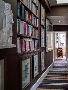 Library in the corridor. Ben's London house - Ben Pentreath Ltd