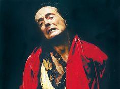O ator Carlos Simioni, um dos fundadores do Lume Teatro, em cena de Kelbilim, o Cão da Divindade (Foto: Divulgação)