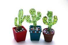 Carmen Lopéz Prior y Patricia Martinez Glass Cactus, Cactus Pot, Cacti, Fused Glass Art, Stained Glass, Glass Fusion Ideas, Fusion Art, Glass Garden Art, Glass Flowers