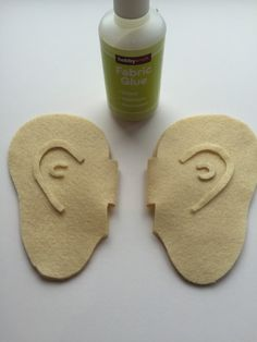 If you don't have a lot of time to whip up a costume for these how to make BFG ears a quick way to become the friendliest giant of them all! Book Character Costumes, World Book Day Costumes, Book Week Costume, Roald Dahl Costumes Diy, Diy Costumes, Halloween Costumes, Halloween Halloween, Halloween Makeup, Costume Ideas