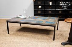 Table basse bleue en bois ancien